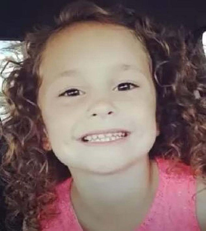 Coronavirus, morta la bambina di 10 anni che aveva cucito le mascherine per le infermiere: uccisa in un incidente stradale