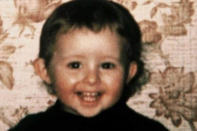 Il crudele assassinio del piccolo Grégory Villemin: gettato nel fiume con le manine legate