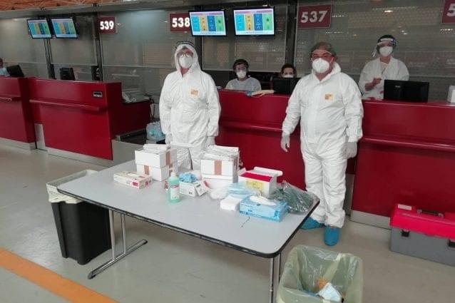 ++ULTIM'ORA++ Fiumicino, controllati i 225 passeggeri di un aereo dal Bangladesh: 14 positivi al coronavirus